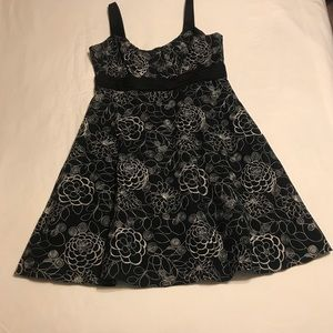 Black & White Floral Embroidered Evan Picone Dress